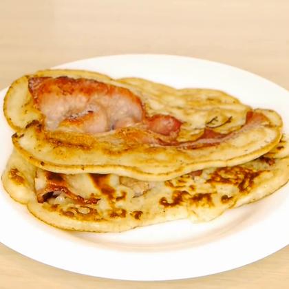 教你做培根煎饼,可以做好面糊放到冰箱里冷藏,想吃的时候拿出来就做,当早餐很方便#美食##生活DIY教程#