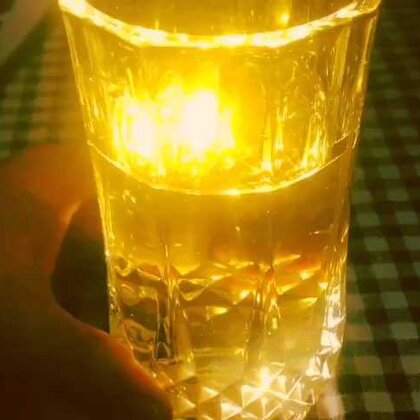 在韩国美女们喝酒的时候调酒的方法真是五花八门,这里就分享几种,这样敬酒,有谁能推辞!#美食##美食作业##调酒#