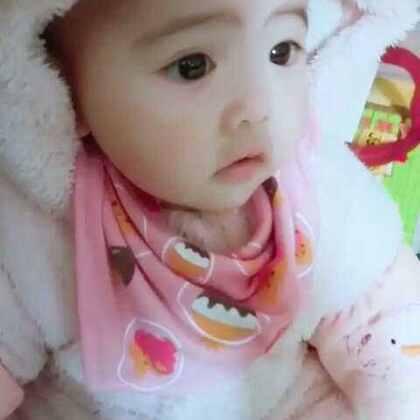 #宝宝##萌宝宝##我要上热门#喜欢近近地拍摄宝宝的每一个小表情~