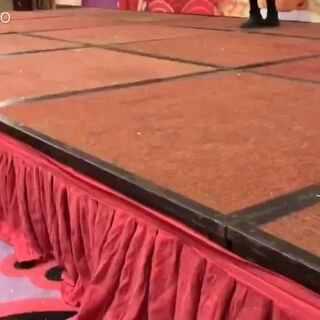 江西省赣州市南康区2017 大年初一 南康大酒店 表演【迈克好猫步】宝贝们好有范😀😀😀😀#好猫步##迈克##火了#