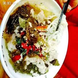 酸菜鱼🐠,上汤一品的蟹黄汤包也不怎么好吃⊙▽⊙#最好吃的东西#