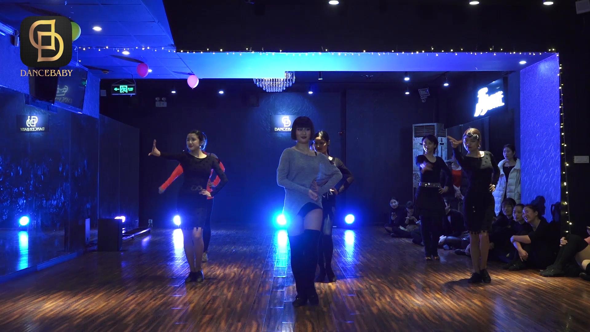 分享 Bluedancer蓝舞者 的美拍