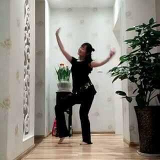 #舞蹈##功夫瑜伽舞##敏雅舞蹈#前几天看了功夫瑜伽,被洗脑了😂😂大冬天赤脚也是醉了😂😂😂@敏雅可乐