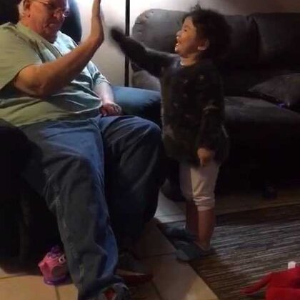 #momo和grandpa#的互动总是那么欢乐😂😂😂😂😂
