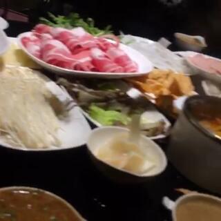 #吃秀##全民吃货拍##我是吃货我自豪##天冷就是要吃火锅#旅行的最大意义就是能让你知道世界上最舒服的事就是在家吃火锅