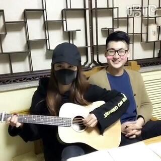 #吉他弹唱##海绵宝宝# 快来听老干部拿小拳拳捶你胸口😏
