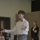 #王俊凯#北电艺考现场视频曝光,朗诵的是莱蒙托夫的《帆》,声音高亢,挥臂感情饱满。小凯很棒!👍