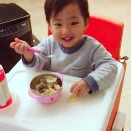 愛吃水餃的小寶貝!看完超想吃水餃了是吧?