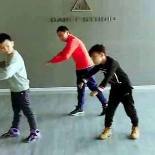 西宁KM街舞 随堂练习#西宁街舞##青海西宁km街舞#西#西宁少儿街舞#