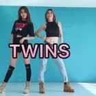 TWINS来啦!粉墨3部曲终于跳全了✨BOOMBAYA✨#舞蹈#我们俩用心排了个队形,饭蕊CP可爱么😝😝😝@马鑫蕊Linda 请给我们一个小红心吧 微博http://weibo.com/u/1891128203