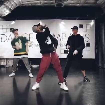 Josh William class at #en dance studio# dancing with @Exon_Arcos check out our freestyle we get crazy 😂😂 #joshwilliams##Choreography##dance##Japan##tokyo##endance##舞蹈##编舞##男孩##手工#@Vhiphop唯舞 @IM国际UrbanDance联盟 @UrbanDance @GH5舞蹈工作室