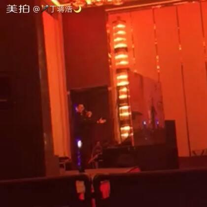 #音乐##男高音&练嗓子##啊,我的太阳##演出现场#@音乐频道官方账号 @美拍小助手 不过瘾 看不清我哦😌