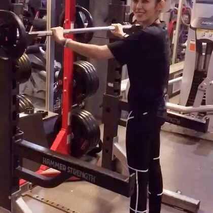 快轉三倍速深蹲part two! #fitness##puma#