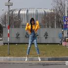 #舞蹈##韩舞#学校保安不让进,只好在门口一个地方跳😂tara - roly poly 太喜欢这首歌了,百跳不厌