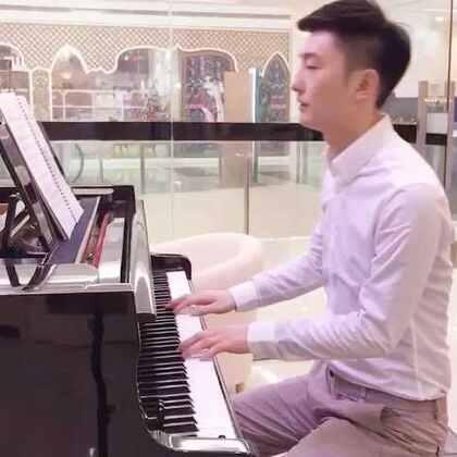 钢琴梦想家~超越版新歌《友情岁月》 成人学钢琴就到钢琴梦想家~ 一节课学会弹钢琴,完成你未完的钢琴梦!