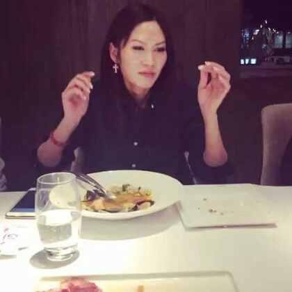 Happy birthday 🎁 Tracy ... All the best ! 🎉🎊🍾🎈🎁🎂@叶懿德TRACY #果界#