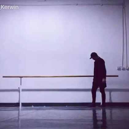 只有半段。#舞蹈##现代舞即兴#