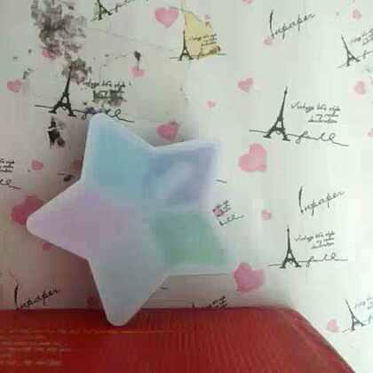 五角星的水晶粘土有五种颜色。