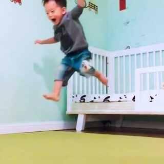这孩子现在每天都是飞行模式,上蹿下跳,为娘每天心好累#丢32个月##宝宝##丢成长#