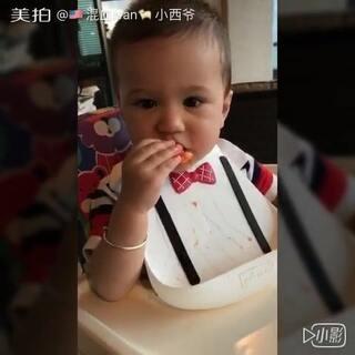 Ivan 在奶奶家的小视频合集。#宝宝##中美混血##Ivan15m➕#@宝宝频道官方账号 @美拍小助手