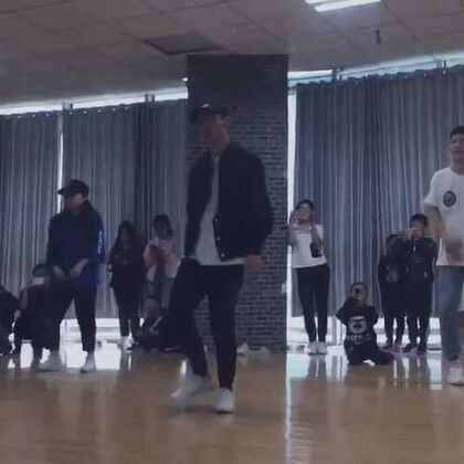 #KingSoul# 音乐:啷个里个啷 总之 中文歌跳舞很酷 #舞蹈##男神#
