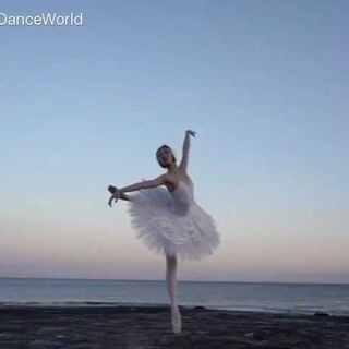 日落 海邊 芭蕾舞者#舞蹈##芭蕾##我要上热门@美拍小助手#