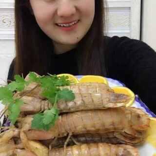 #吃秀##我要上热门@美拍小助手##皮皮虾,我们走# 又来一盘子 好吃不用多说啦 @船长带你吃海鲜