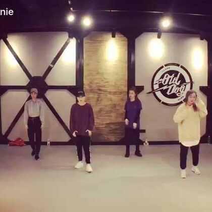 新舞「pick组、和我自己」喜欢就双击哦……又是一支累人的舞!@O-DOG舞蹈室 @TeamInvaderChina #舞蹈##Gemini##原创编舞##urban dance#
