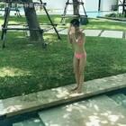 #惹完我就跑##cayla#@张伦硕 So fun swimming with 爸爸😎😎😎