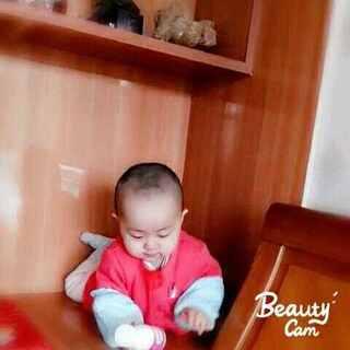 #美拍大师#早上起来玩耍。#宝宝玩耍时间##宝宝成长记录#