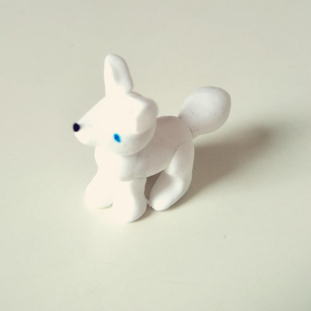 第一次用黏土做小动物,给个赞呗!