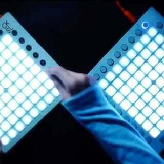 来自CKSL的Stay Launchpad演奏 歌名Zedd, Alessia Cara - Stay 工程下载地址http://abletive.com #launchpad##音乐##zedd#