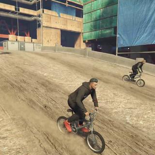 开自行车到工地玩耍#GTA5##游戏##游戏时刻#