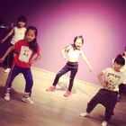 #宝宝##舞蹈##我要上热门#mini 小辣妹组合热舞 #加油(^ω^),我要上热门!!!#