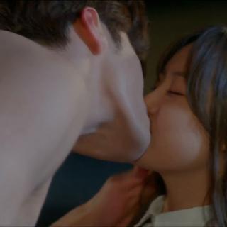 听说这是此剧第一集的尺度…… #扑通扑通的小心跳##韩剧##焦急的罗曼史#
