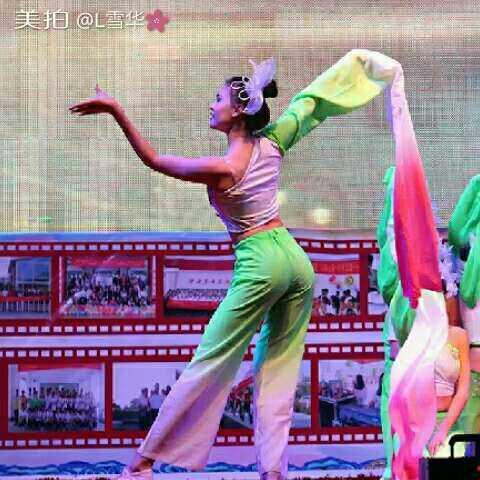 #元旦舞蹈##且吟春雨##照片# - L雪华的美拍