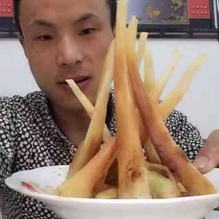 @玩转美拍 @美拍小助手 #吃秀#象牙鲜虾卷,呵呵热门就抽2位,每人送两盒试吃😍
