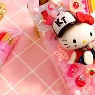 #手工##水晶奶油手机壳##我和我的奶油皇后#💪💪💪good morning!今天是五一小长假的第一天哦~嘿嘿!妮妮姐依然在泰国🇹🇭~感觉被乐不思蜀了!今晚~不下雨的话!直播逛夜市哦!❤榜前10都会收到一份泰国的礼物!哈哈哈哈!http://shop33112800.taobao.com