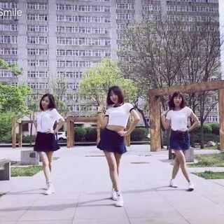 一支越跳越嗨的舞,后半程可以截到各种表情包哈哈😂 @雅吱I/rine🐯 小美女专程从大连来找我和@辛德瑞拉熊熊熊 的,用这支舞来记录我们在一起开心的时刻❤️#敏雅音乐##舞蹈# 坐标沈阳📍