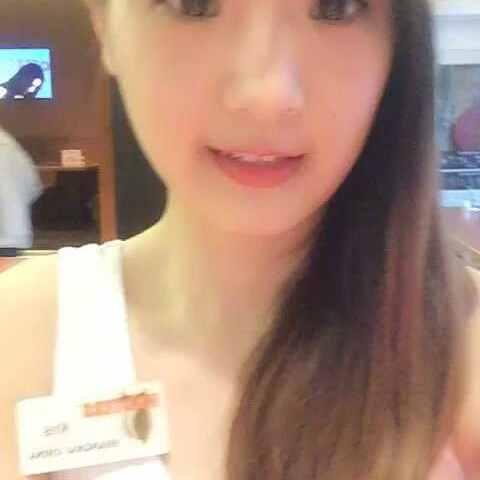 【美国猫头鹰餐厅-中国美拍】#选美大赛#HOOTERS乐城店的Kris...