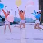 """小黄人的魔性歌声配上糖果色的超甜美少女,真的有点怪怪……怪可爱的!这段元气满满的夏日清新""""爵士疯"""",有没有让城市看起来更年轻?最后最后!只要#舞蹈#跳得好,""""告白气球""""少不了~~#单色舞蹈爵士舞#😝😝"""