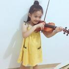 第一次拉这首歌《世上只有妈妈好》萱宝说要送给所有伟大的妈妈们#音乐#魏艺萱#宝宝#