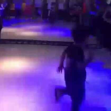 小阿默和他的伙伴们battle#舞蹈##随手美拍#