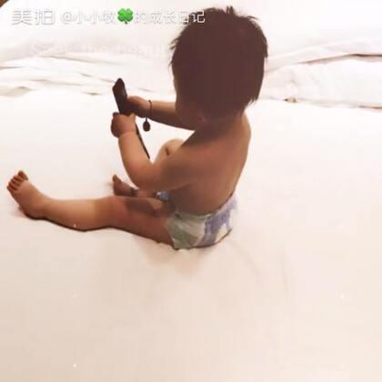 晒裸照😜😜😜😜大半夜不睡觉还有谁?#萌宝宝##宝宝裸照##宝宝成长日记#