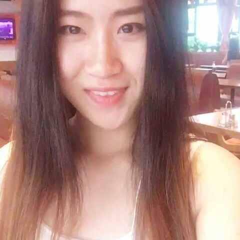 【美国猫头鹰餐厅-中国美拍】#选美大赛#HOOTERS淮海店的Krist...