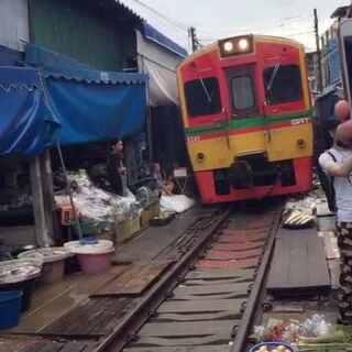 美工铁道市场和丹嫩沙多水上市场合集#带着美拍去旅行##泰国之旅##曼谷#@美拍小助手