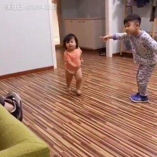 不穿鞋,你爸来了,你爸来啦😂