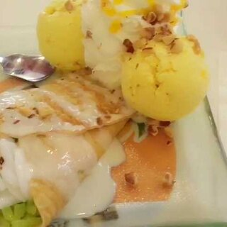 泰国网红,被誉为可以和哈根达斯媲美的冰激淋,其实我觉得口感上还是差一些哈,不过整体味道不错。#吃秀##泰国之旅##泰国美食#@美拍小助手 @吃秀频道官方账号