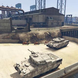 开坦克穿越下水道排污口#GTA5##游戏时刻##游戏#更多视频搜索@狄克海威