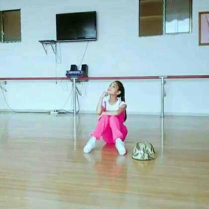 #舞蹈##女神##音乐#这段时间为了这个舞蹈,😘😘😘😘真是辛苦来了我的女神老师。还师姐们,还有我的妈妈。🌹🌹🌹谢谢你们!